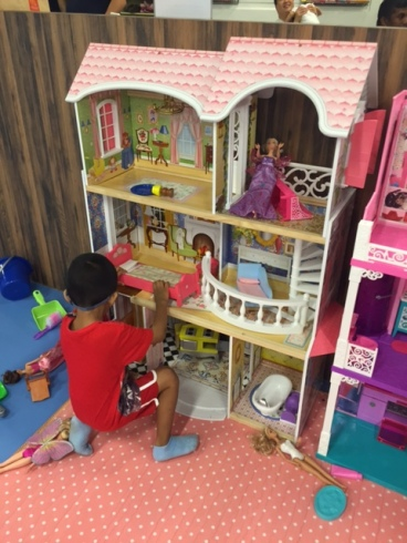 Boys can play with doll houses too :)