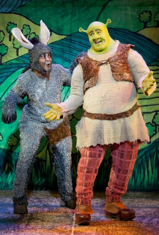 Travel_Song_with_Jeremy_Gaston_as_Donkey_and_Perry_Sook_as_Shrek_L_vR.jpg
